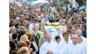 Devoción. Cientos de fieles hacen suya la celebración cada 7 de agosto. UNO de Santa Fe/José Busiemi