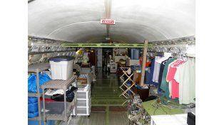 Un hombre vive en un Boeing 727