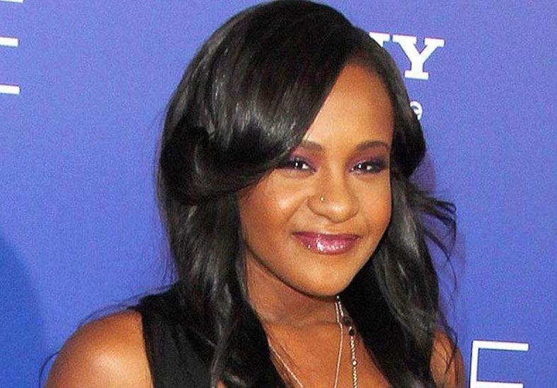 Finalmente, publicaron las fotos de la hija de Whitney Houston muerta