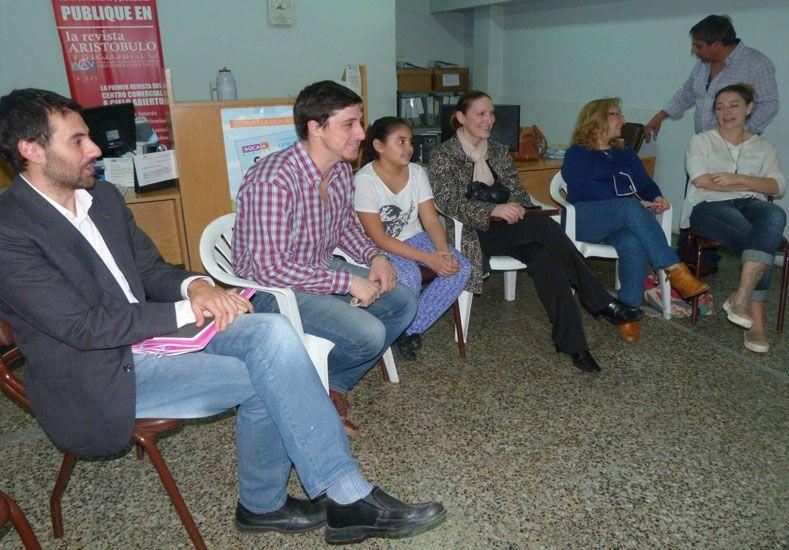 Julio Garibaldi durante la reunión con integrantes de la Comisión Directiva de la Asociación Comerciantes