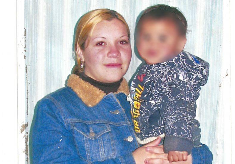 Rocío Lorena Souza y su hija menor Samira de 6 meses de edad fueron vistas por última vez el 3 de agosto del corriente año.
