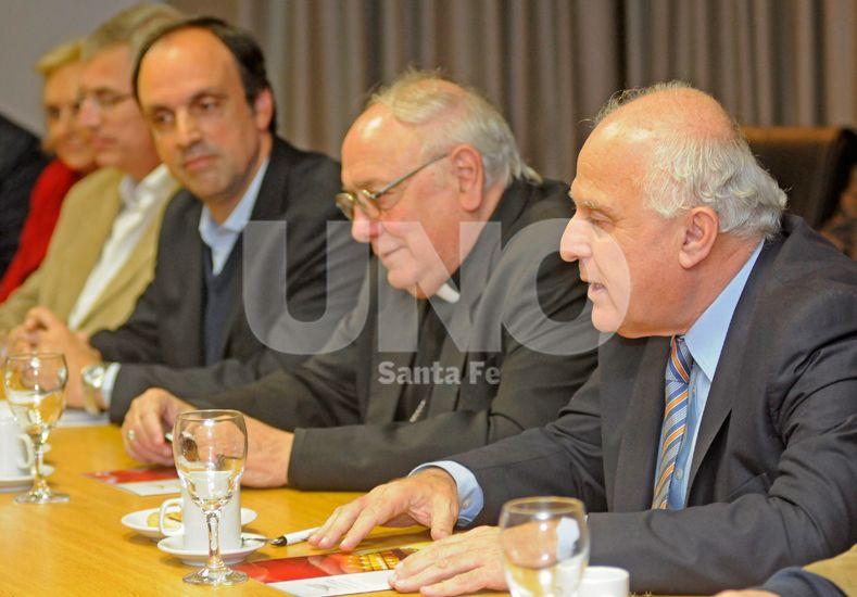 Presentación. Lifschitz participó por primera vez en la Mesa de Diálogo
