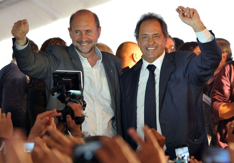 Scioli convocó a la comunidad santafesina a votar a favor de un futuro cada vez mejor