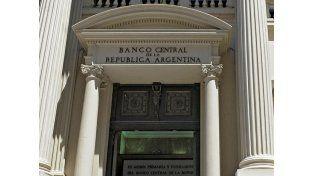 El Banco Central volvió a intervenir en el mercado cambiario y vendió U$S 100 millones para contener el blue