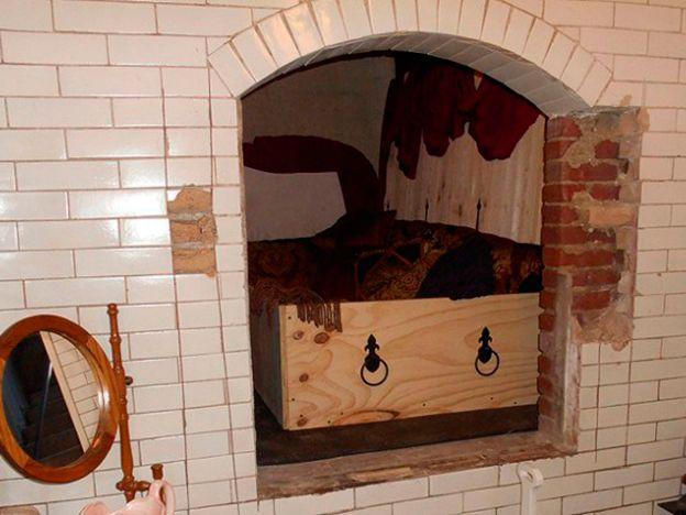 Reservá ya para dormir... ¡en una cripta!