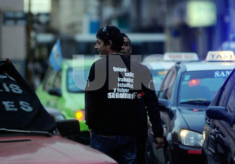 Taxistas y remiseros reclamaron seguridad con una marcha en el mes de julio.