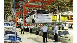 Automotrices. La fabricación de autos cayó en medición interanual.