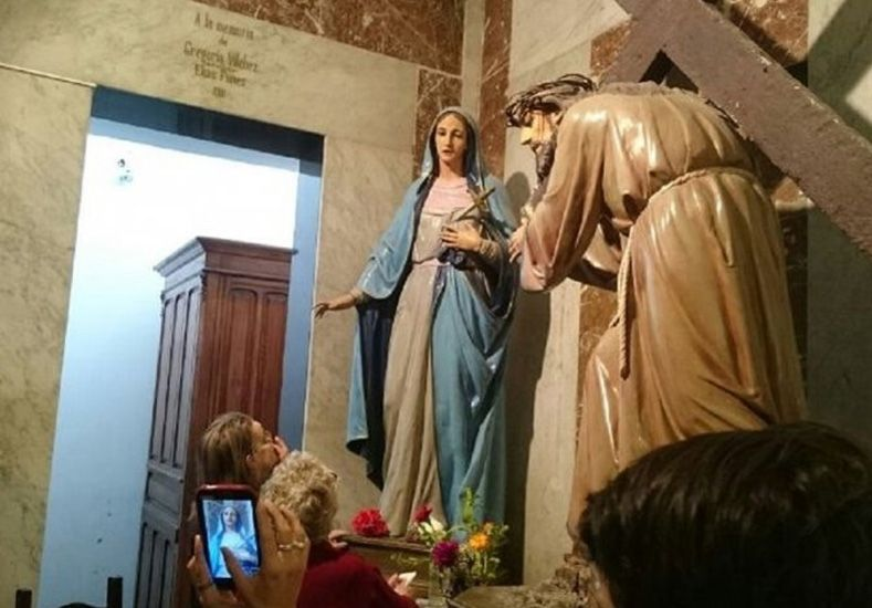 Conmoción en San Luis por el milagro de una Virgen que llora