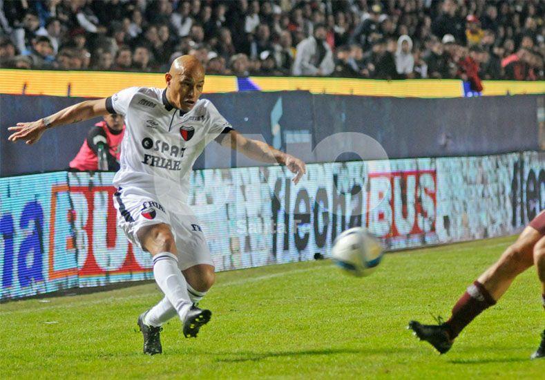 Clemente Rodríguez jugó por última vez frente a Lanús en Santa Fe.