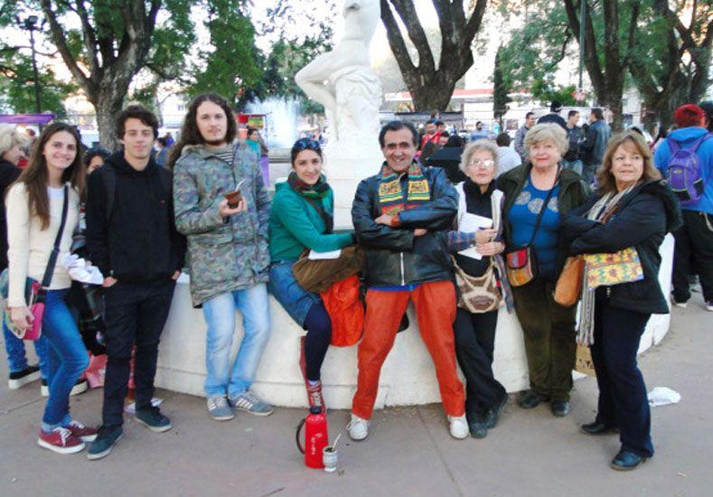 Encuentro. El fin de semana se reunieron por primera vez en la plaza Pueyrredón para organizarse.