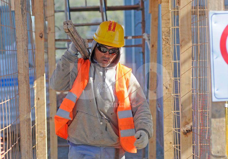 Empleo. Las obras públicas que están en marcha en Santa Fe están a cargo de empresas locales. Foto: Manuel Testi / Diario UNO Santa Fe