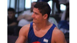 La pelea. Iván Burtovoy culminó 8º en la categoría hasta 89 kilos de la lucha greco-romana