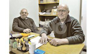 Compañeros. Jorge Hamud (intendente) y Ricardo Scandolo (presidente) trabajan todos los días para ver mejor a su querida institución. Fotos UNO/José Busiemi
