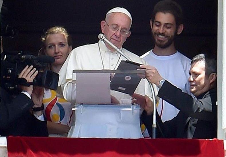 El Papa se puso tecno en el Ángelus