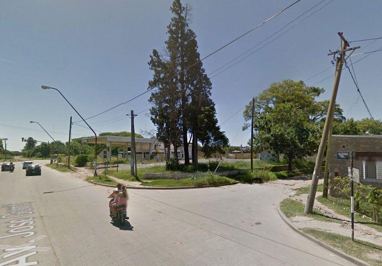 En la esquina. Los vecinos vieron a Zárate en la calle y al intentar ayudarlo vieron que estaba fallecido.