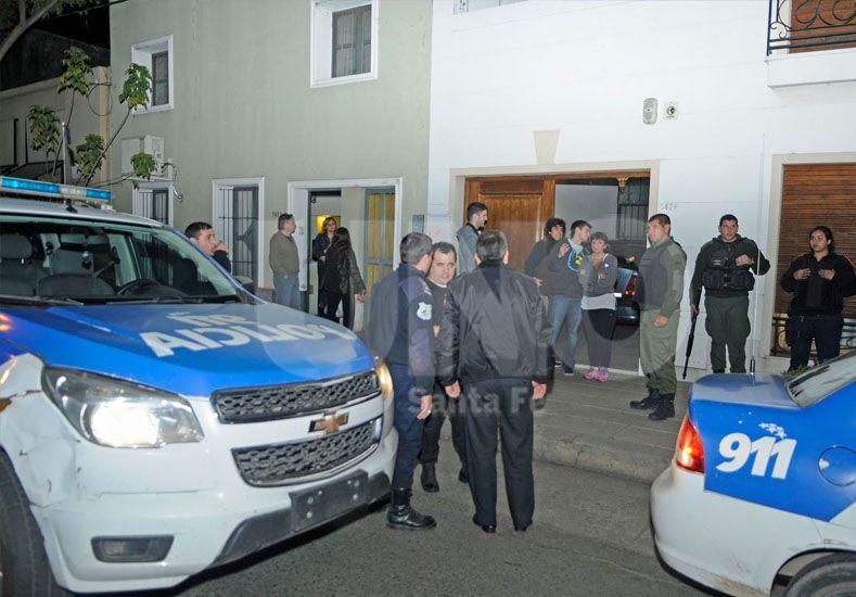 Un vecino de la vivienda de Urquiza al 1400 alertó al 911 tras la entradera. Fotógrafo: Manuel Testi / Diario UNO Santa Fe