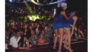 diversión. Los dueños de boliches temen que los jóvenes vayan a bailar a otras poblaciones.