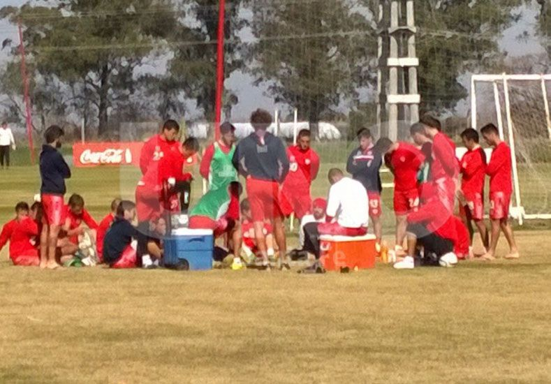 Estuvo Colitto en la práctica y hubo reunión de jugadores por atraso en los sueldos