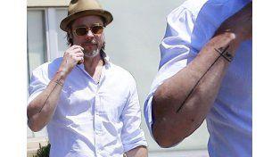 ¿Qué significa el raro tatuaje de Brad Pitt?