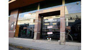 Bowling clausurado por razones de seguridad. Foto: Juan Baialardo / Diario UNO Santa Fe