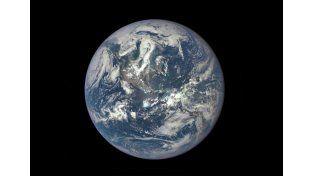 La NASA difundió la foto más nítida y completa de la Tierra