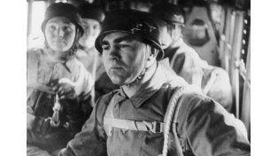 Fallschirmjäger. Schmeling fue reclutado como paracaidista y