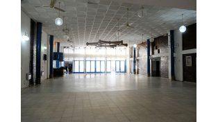 Salón. Tiene un espacio de usos múltiples con capacidad para 250 personas.
