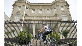 Volver. El edificio de la legación cubana en Washington