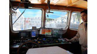 Equipamiento. El guardacosta científico Leloir cuenta con la tecnología adecuada para navegar entre la que se destacan: cartas electrónicas