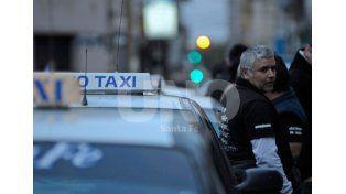 Los taxistas se manifestaron pidiendo más seguridad para realizar su trabajo./ Mauricio Centurión.
