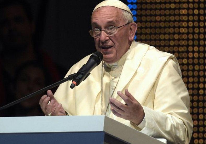 VIDEO: dramático testimonio de joven conmovió al Papa y a miles en Paraguay