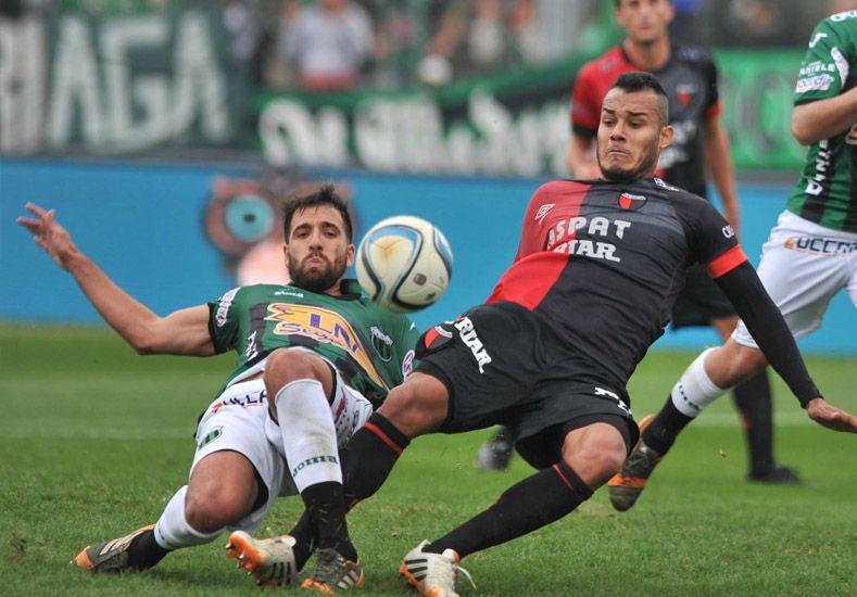 Colón empató sin goles con Nueva Chicago en Mataderos