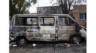 Así quedó la camioneta incendiada./ Mauricio Centurión.