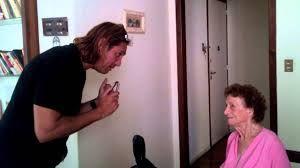 Desopilante: un hijo explica a su madre el cuento del tío