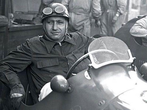 Exhumarán el cuerpo de Juan Manuel Fangio para extraerle ADN en el marco de una causa de filiación