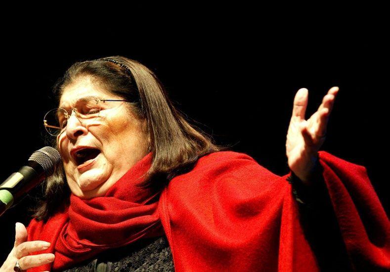 Hoy cumpliría 80 la cantora del pueblo