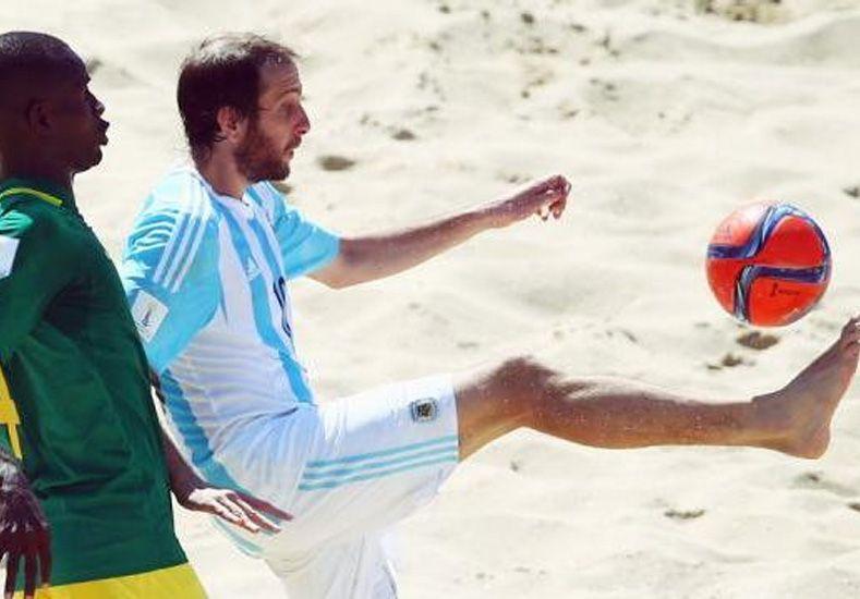 Mundial de fútbol playa: Argentina venció por 4-3 a Senegal en el debut