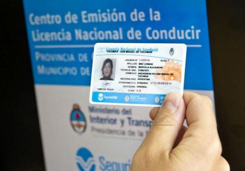 La nueva licencia de conducir se hace esperar en Santa Fe