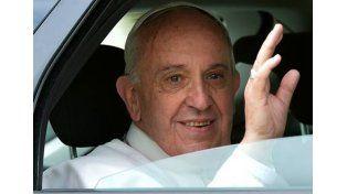 En Ecuador, el papa Francisco rompió el protocolo para sorprender a los fieles