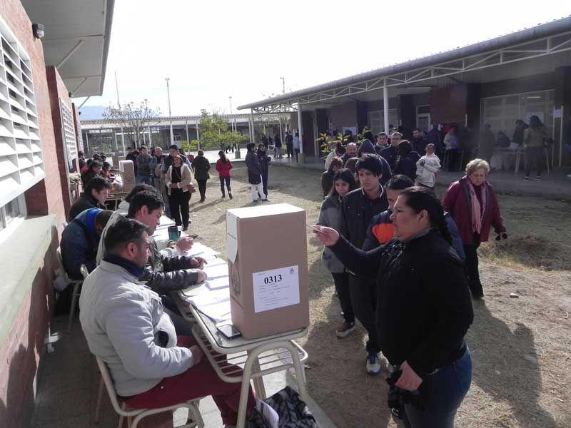 La Rioja: entre denuncias de irregularidades, el kirchnerismo venció en la provincia