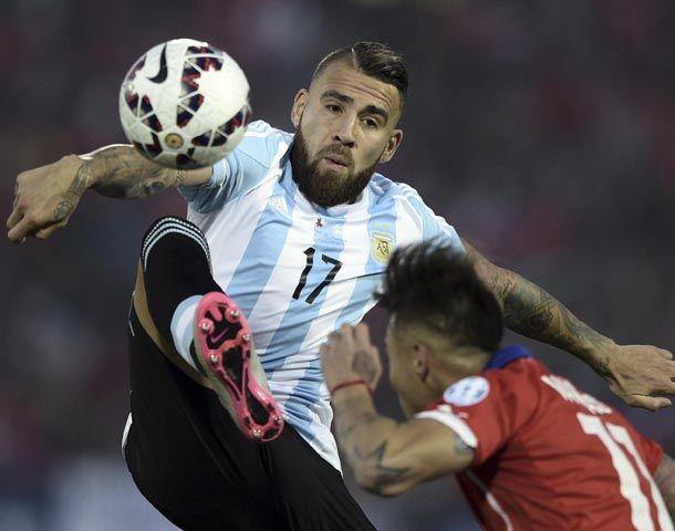 El argentino Otamendi integra la defensa ideal.