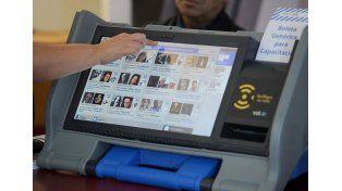 A votar. Los electores porteños tendrán un mix de urnas convencionales y de sufragio electrónico.