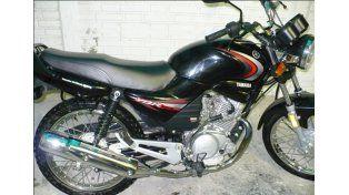 Idéntica. A esta moto es la que incautaron en una vivienda de Lavaisse al 4300 de la populosa barriada.