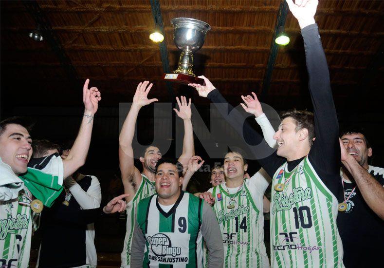 El Matador defendió con éxito su corona para convertirse en el monarca del Torneo Dos Orillas 2015./ Mauricio Centurión.
