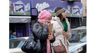 Vestimenta adecuada. Es uno de los pasos preventivos fundamentales para salir a la calle.