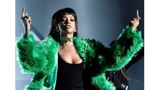 Desnudo y sangre en el nuevo video de Rihanna