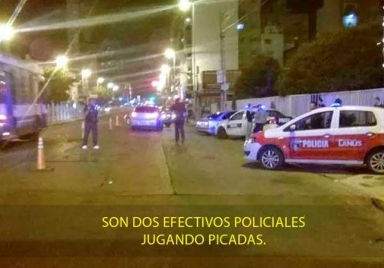 Corrían picadas y como eran policías los dejaron ir