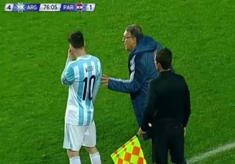 ¿Qué le dijo Lio Messi a Martino durante el partido ante Paraguay?