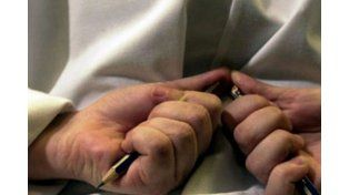 Violencia escolar: un alumno le clavó una lapicera a su profesor
