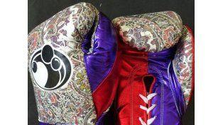 Los polémicos guantes de Mayweather